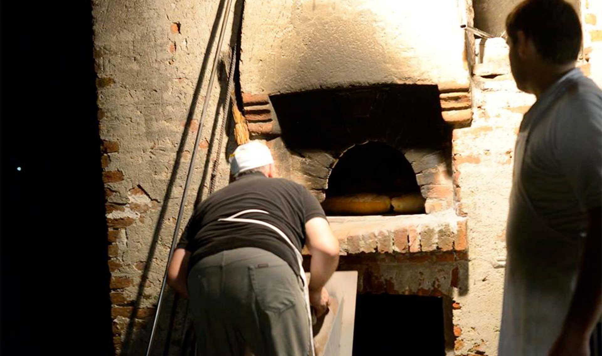 Notti d'acqua - Cottura del pane al VECCHIO FORNO